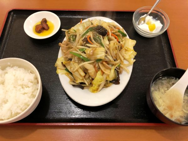 スタミナ食堂の肉野菜スタミナ定食